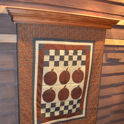 EZ-Load Quilt Display | DWR Custom Woodworking : quilt wall hangers wooden - Adamdwight.com